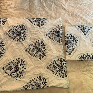 Other - 2 Euro sham pillow cases
